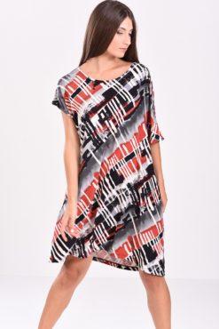 Φόρεμα σε άνετη γραμμή εμπριμέ (μπορντό - μαύρο)